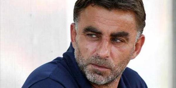 Pelatih Persebaya Surabaya asal Republik Ceko, Miroslav Janu meninggal dunia akibat serangan jantung dalam usia 53 tahun.