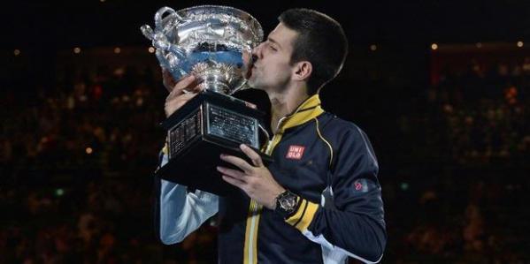 Novak Djokovic meraih gelar keempat di Australia Terbuka. Tiga di antaranya direbut secara berturut-turut.
