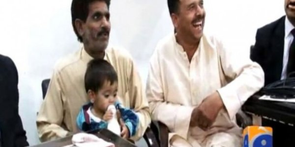 bayi-berusia-sembilan-bulan-disidang-di-pakistan-rev-1